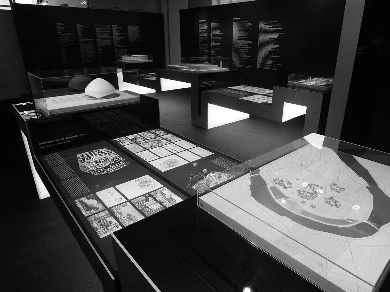 Silvia Miguez-Exhibition-Ciudad del espejismo. Bagdad, de Wright a Venturi