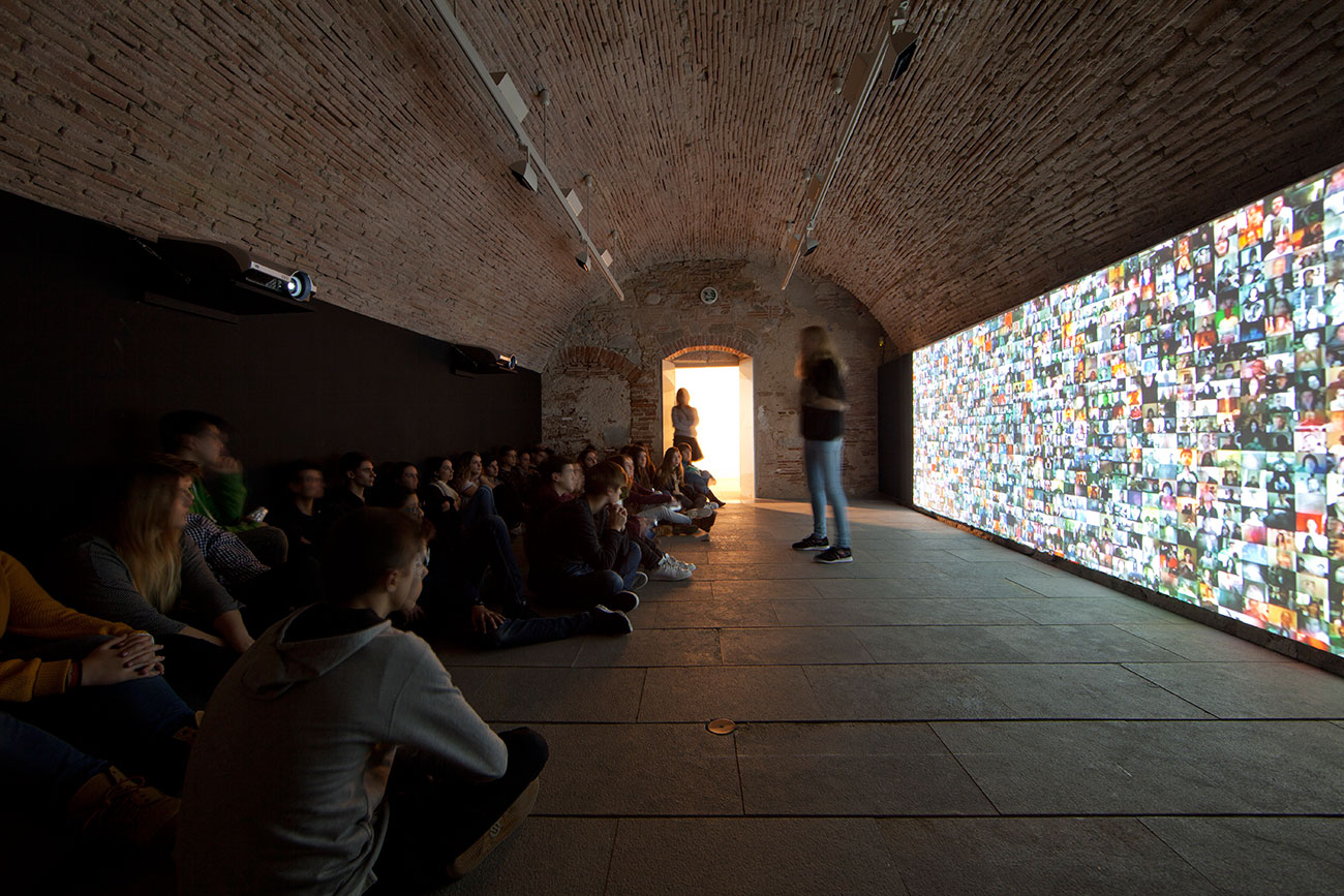 Silvia Miguez-Exhibition-Immersos-en-les-dades-Big Bang Data-Touring
